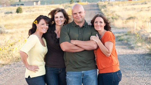 the history and practice of polygamy in united states history However, polygamy is illegal in all 50 states under state laws 1 utah and colorado have a history of largely condoning polygyny, as long as the spouses are not too public about it.