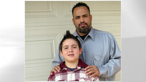 ht robert casteel nt 120125 wblog Dad Gets Restraining Order Against Sons 4th Grade Classmate