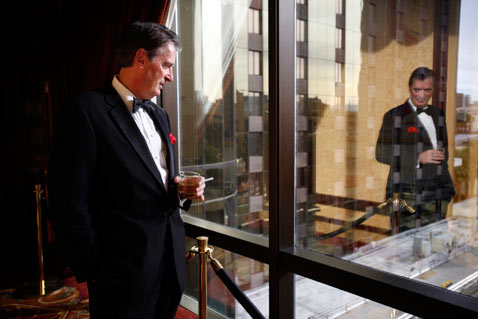 ht sun celeb impersonators07 dean martin thg 120309 wblog The Naked City: Behind the Curtains of Las Vegas