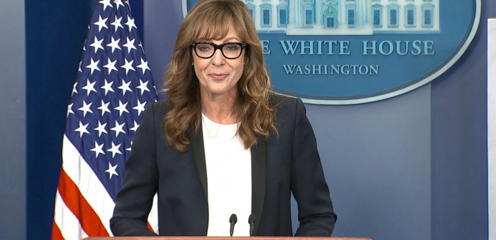 VIDEO: Allison Janney Stops By White House Press Briefing as CJ Cregg