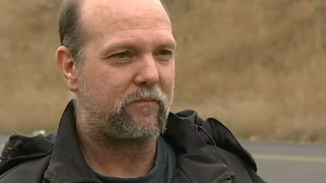 VIDEO: Oregon police say Tom Davis confronted a man attempting to steal his van.