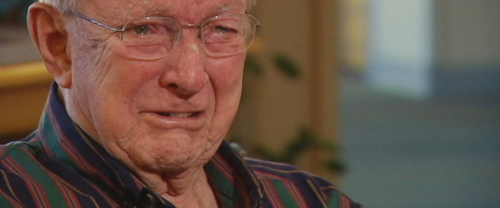 PHOTO: World War II veteran Bill Moore was in tears after receiving a long-lost love letter he wrote to his future-wife when he was at war in Europe 70 years ago.