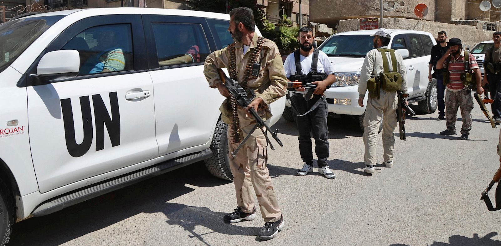 PHOTO: Free Syrian Army escort of United Nations weapons inspectors
