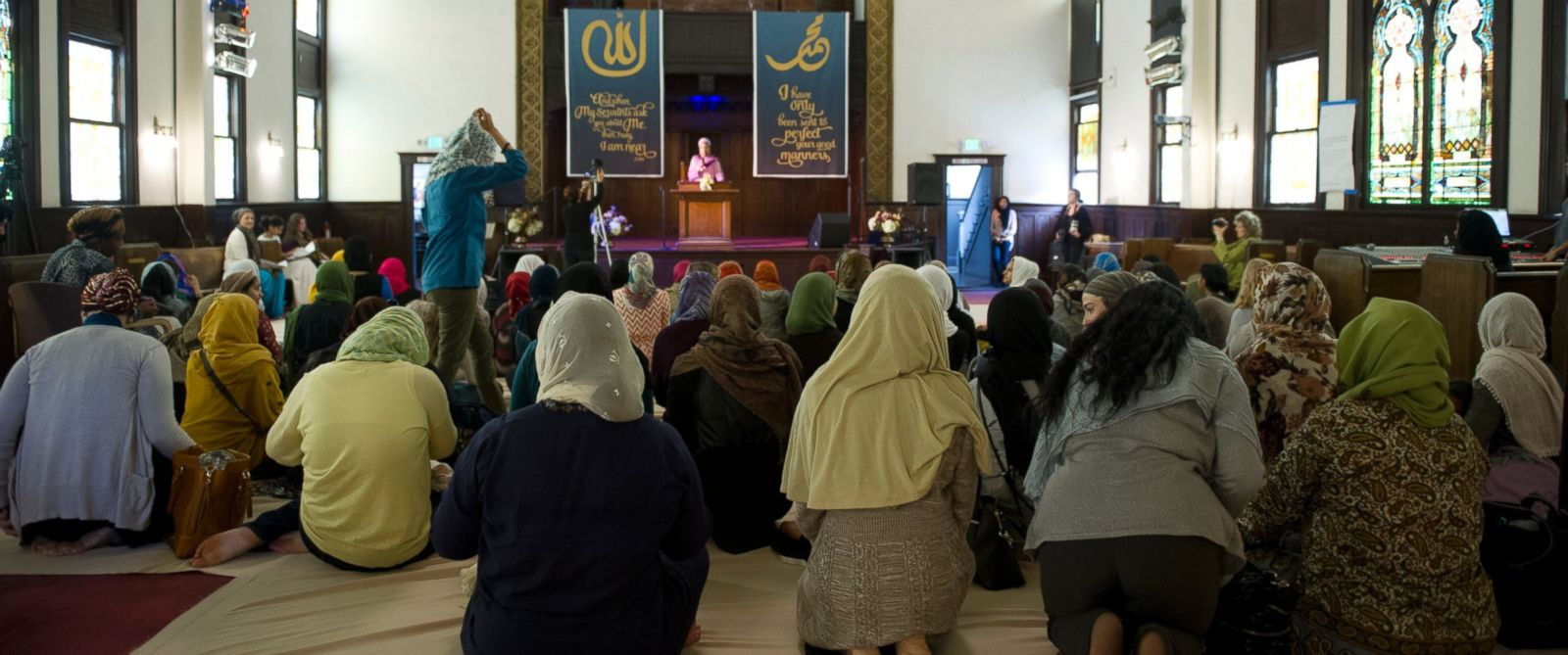 PHOTO: Muslim women kneel for the prayer service at the Womens Mosque of America in downtown Los Angeles, Jan. 30, 2015.