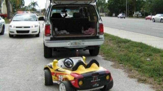 VIDEO: Florida grandparents arrested for drunken driving and child endangerment.
