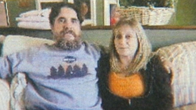 VIDEO: David and Linda Kubert sue texting driver and the woman who was texting him.