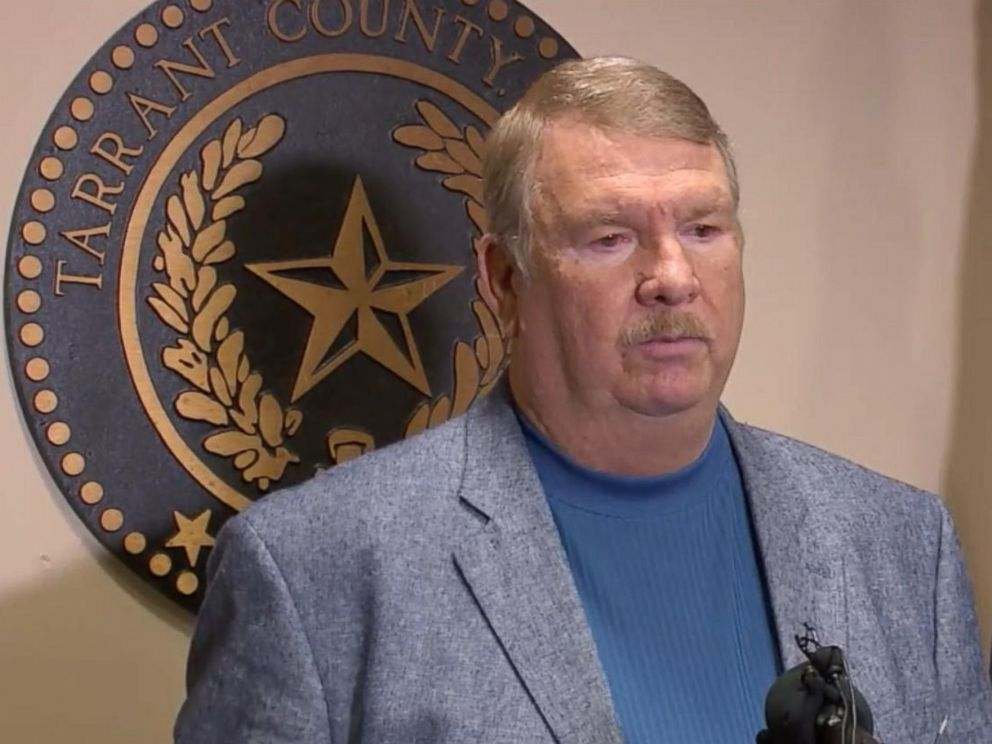 PHOTO: Sheriff Dee Anderson of Tarrant County, Texas, speaks about the arrest of Ethan Couch at a press conference on Dec. 29, 2015.