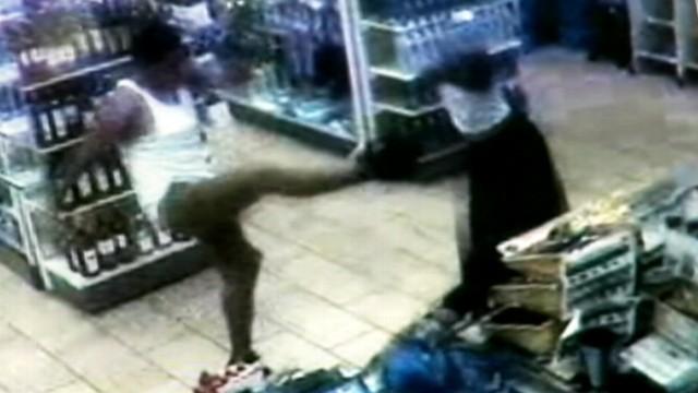 VIDEO: 7-11 customer kicks knife-wielding robber.
