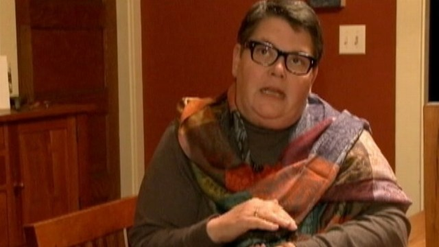VIDEO: Priest in Maryland refuses to give gay woman sacramental bread and wine.