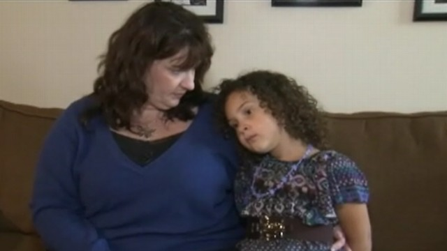 VIDEO: Livia Jensen called 911 when her mom collapsed from a severe lupus episode.