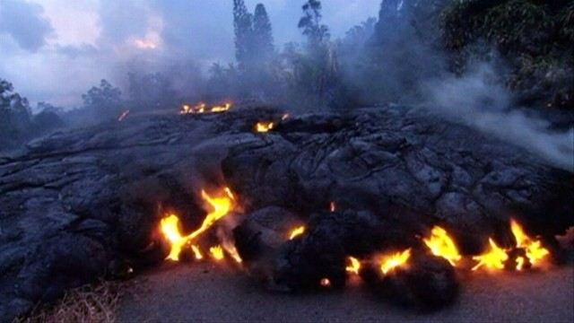 VIDEO: Kilauea volcanos lava flow destroyed the last remaining home in a neighborhood under siege.
