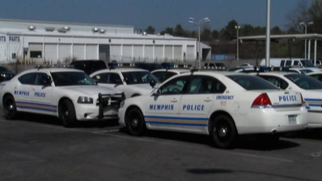 VIDEO: Memphis police officer is accused of having sex while on duty.