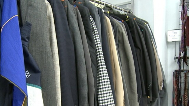 VIDEO: 80-year-old in Illinois had 13,000 dollars in the pocket of his donated coat.