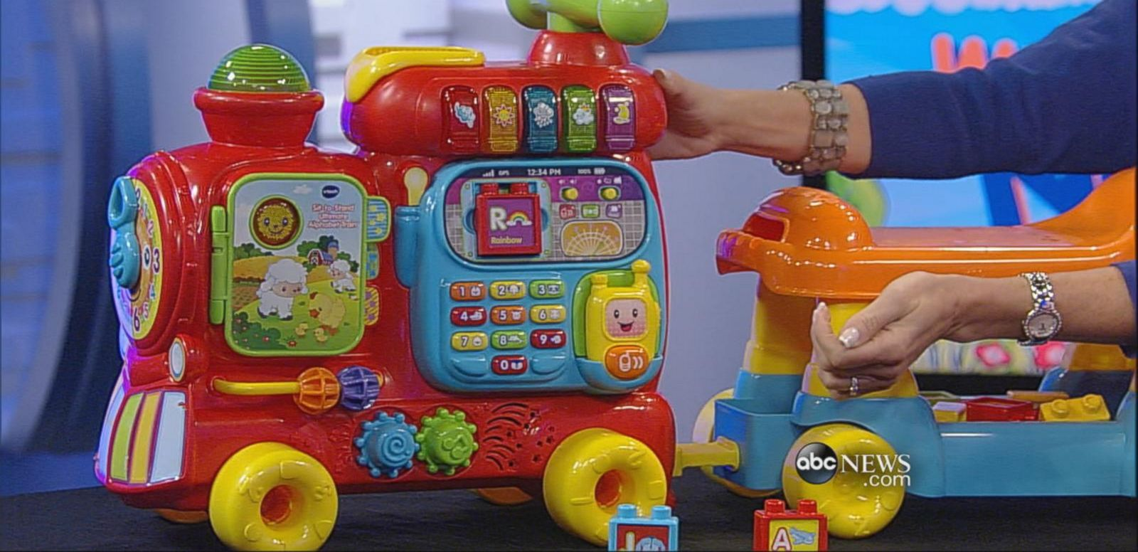 VIDEO: Toy insider Lauri Schacht shares the best new toys to engages young children.