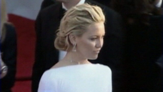 VIDEO: Bill Hudson doesnt paint flattering picture of his daughter Kate Hudson in book.