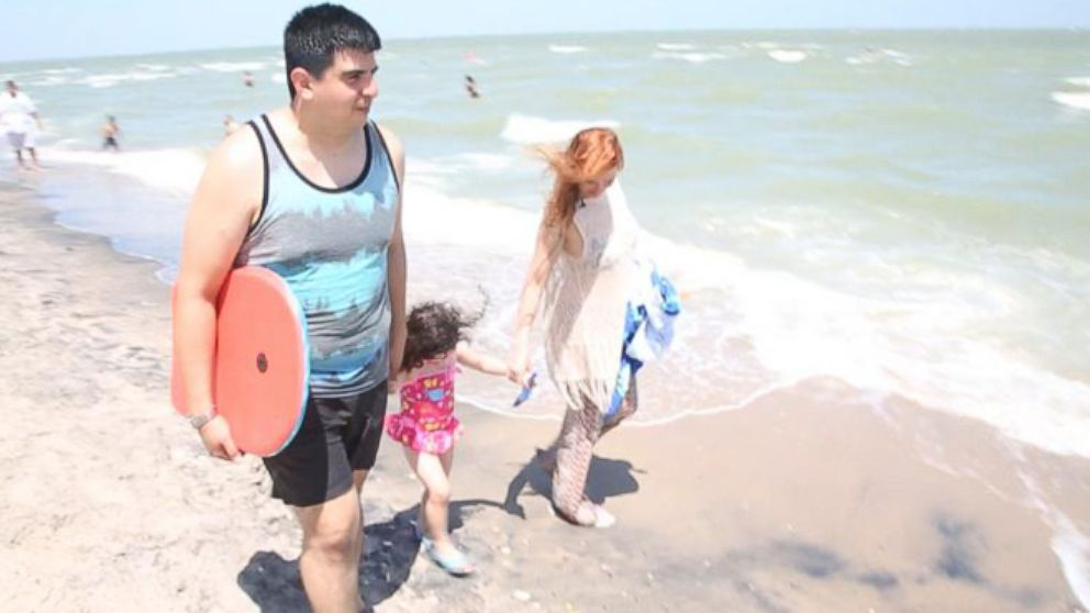 VIDEO: Mission: Saving Money on a Last-Minute Summer Vacation