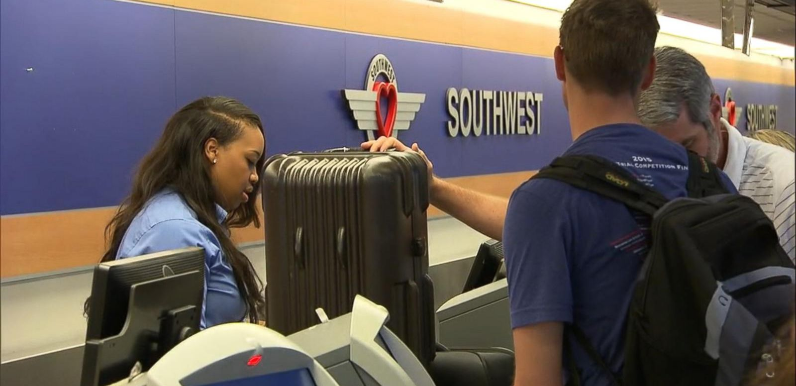 VIDEO: Computer Glitch Causes Travel Chaos on Southwest Airlines