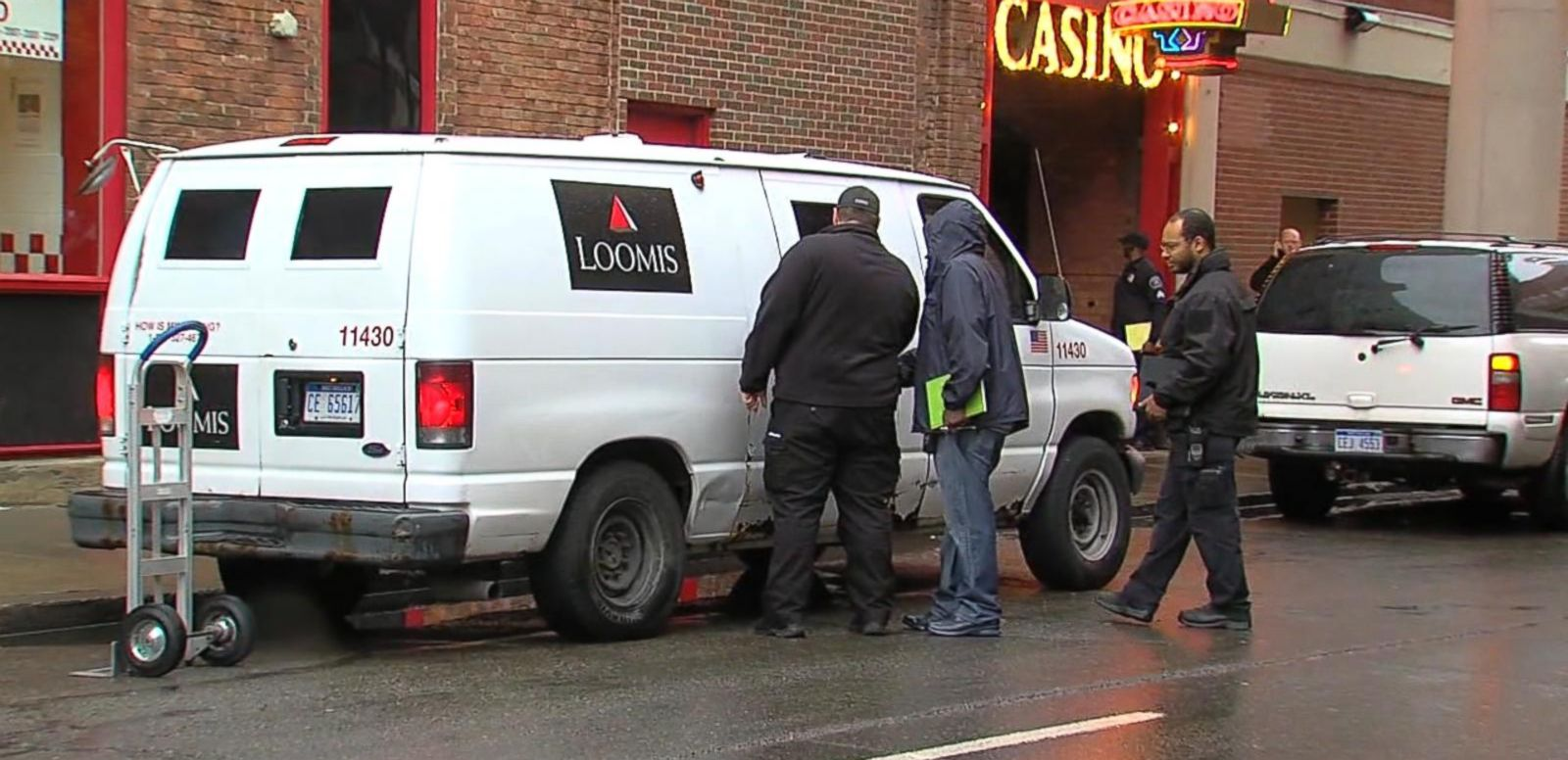 VIDEO: Index: Man Pulls Off Armored Truck Heist Outside a Detroit Casino With No Weapons