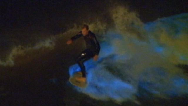 VIDEO: California surfers take advantage of blooming algaes effect on the water.