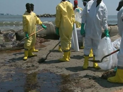 VIDEO:Crunch Time for Oil Spill Cleanup