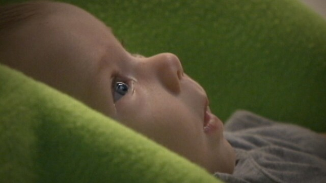 VIDEO: Babies with autism spend less time looking into the eyes.
