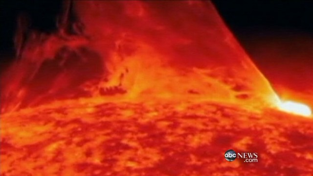 VIDEO: Airlines took care to steer clear of solar storm.