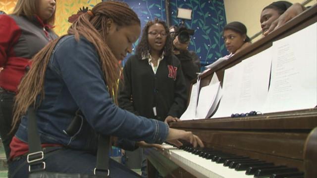 VIDEO: Strawberry Mansions Choir