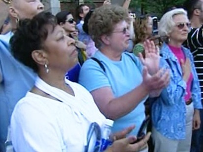 VIDEO: Crowds line up in Boston for Ted Kennedy motorcade