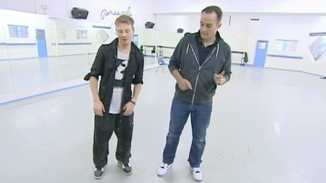 VIDEO: Scientists study mens dance moves and how women react to them.