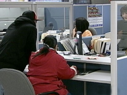VIDEO: Nearly half a million new unemployment claims reported; Dow drops 144.