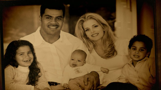 World News with Diane Sawyer: World News 1/10: Junior Seau Had Brain Disease Caused by Repeated Head Trauma