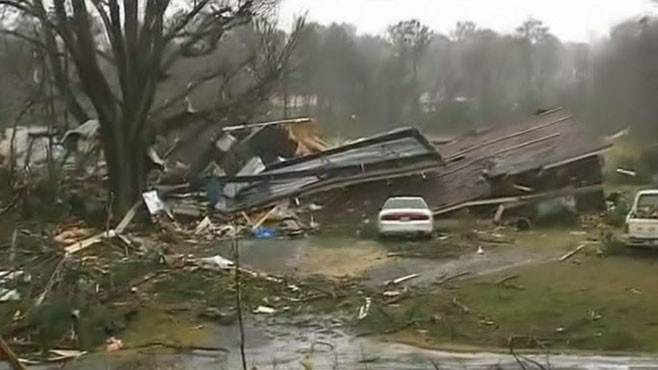 World News with Diane Sawyer: World News 1/30: Tornado Tears Path Through Georgia Town
