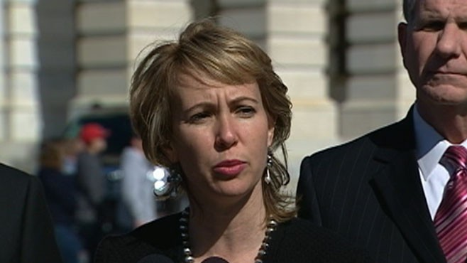VDIEO: Rep. Giffords Plans to Attend Husbands Launch