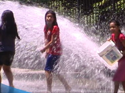 VIDEO: Scorching Heat Wave Hits 13 States