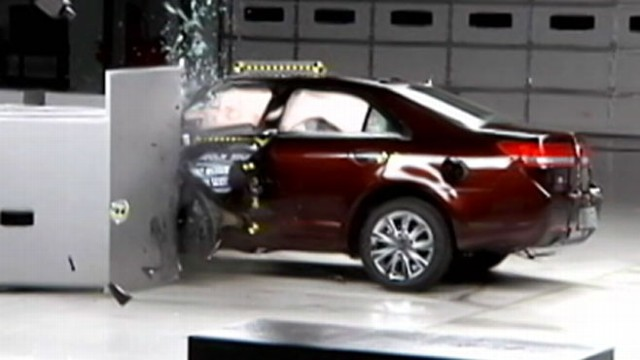 VIDEO: David Kerley on auto safety trends, new technology to help save lives.