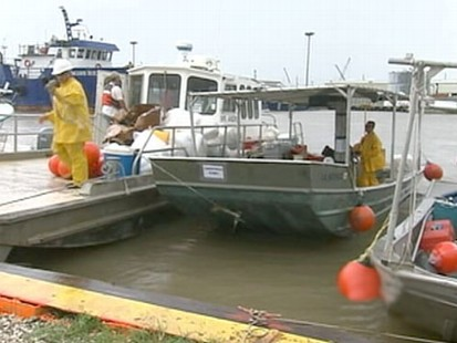 VIDEO: A week after Hurricane Alex hit, skimmers still are docked.