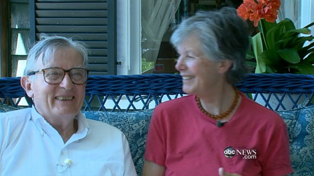 VIDEO: Wave of baby boomer couples stay together but live apart.