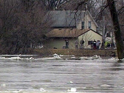 VIDEO: Rush to Save Flooded Fargo