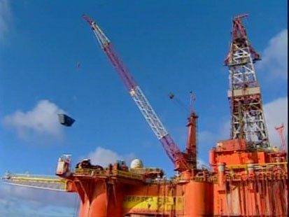 A picture of an oil rig.