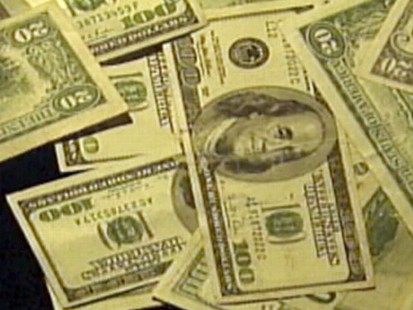 VIDEO: U.S. Firms Dodge Billions in Taxes by Moving Profits Overseas