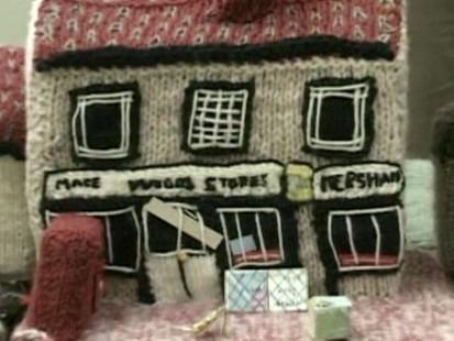 VIDEO: English yarn village