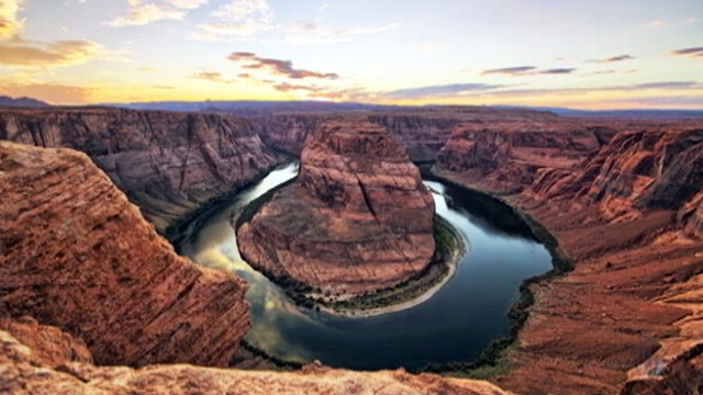 VIDEO: Dustin Farrells digital art captures locations in Arizona and Utah.