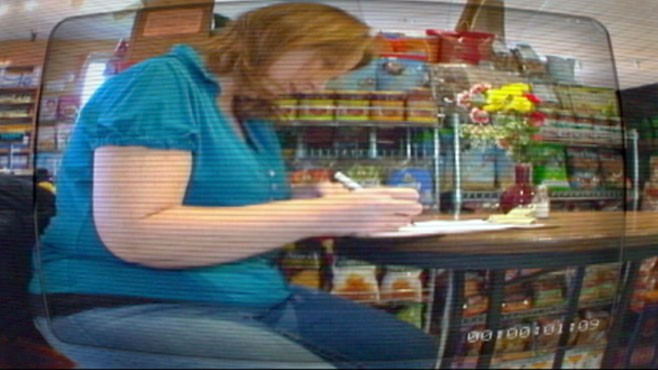VIDEO: In WWYD scenario, health food store manager rejects overweight job applicant.