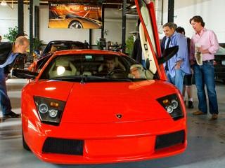 recession car rentals rent a lamborghini for 2000 abc news. Black Bedroom Furniture Sets. Home Design Ideas