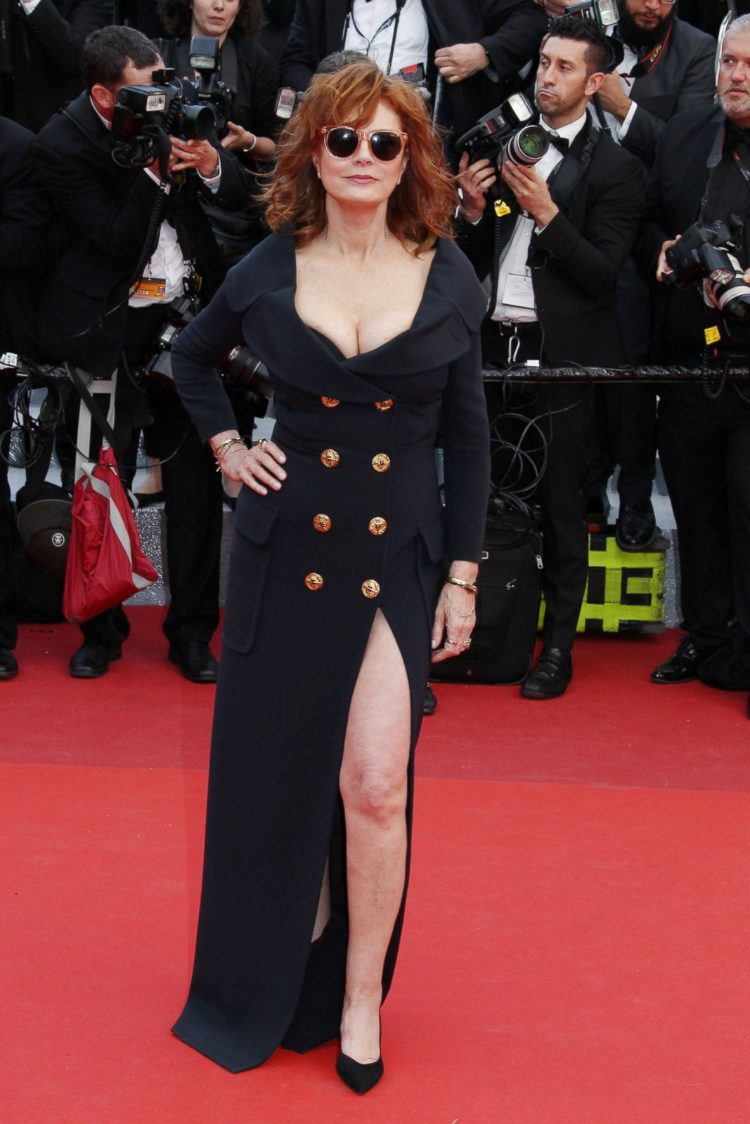 Susan Sarandon Shows Off Her Legs On The Red Carpet