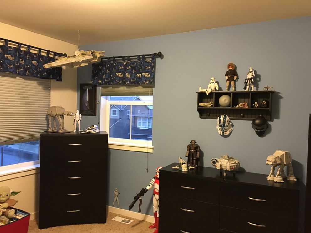 Go Inside One Family S Star Wars Themed Bedroom Abc News