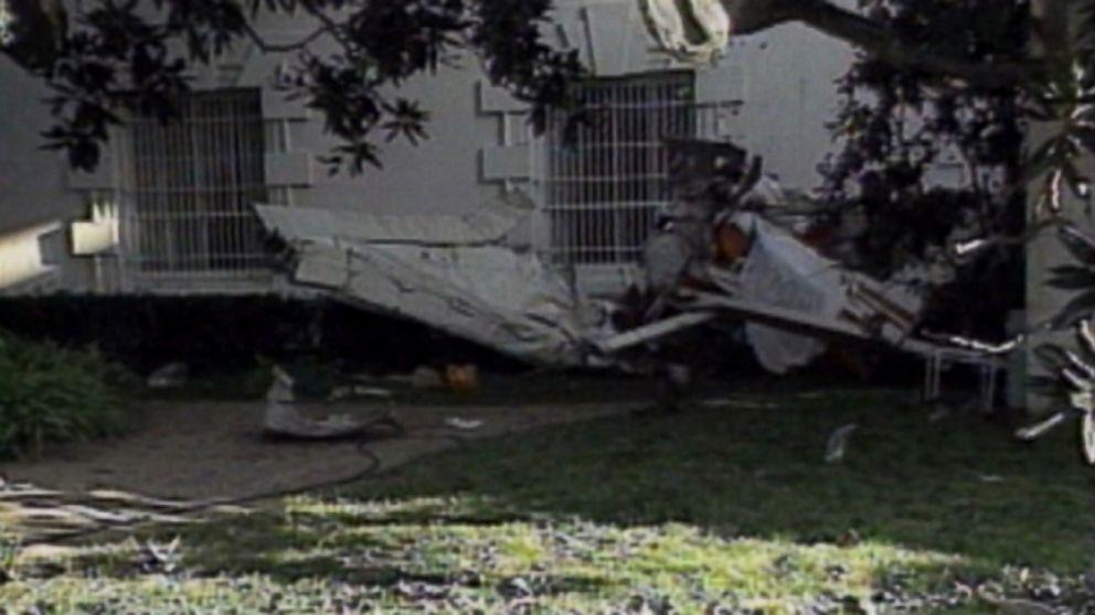 Stolen Plane Crashes On White House Lawn Video Abc News