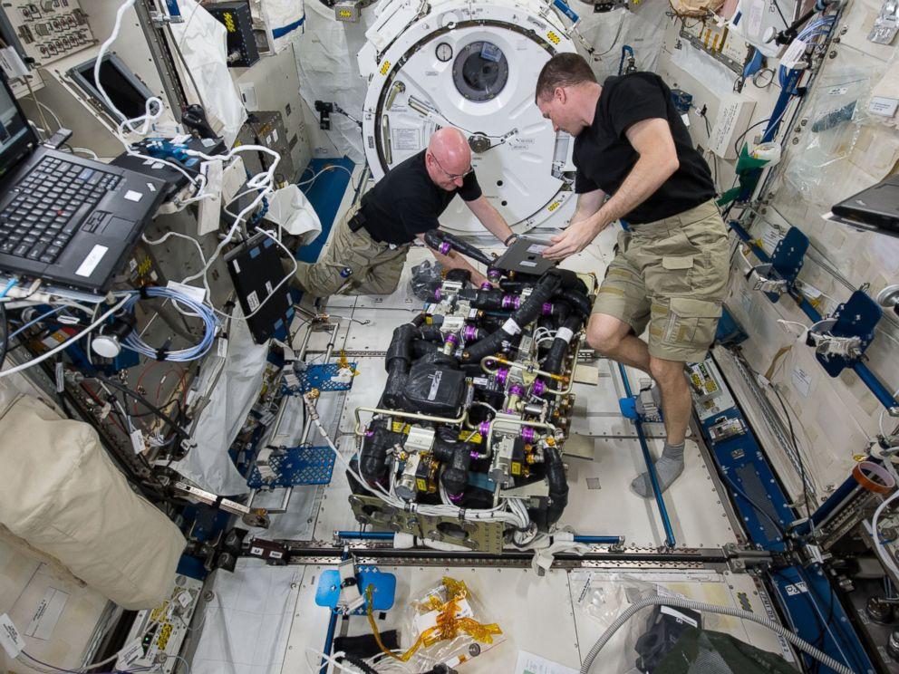 International Space Station Anniversary: 15 Secrets of ...