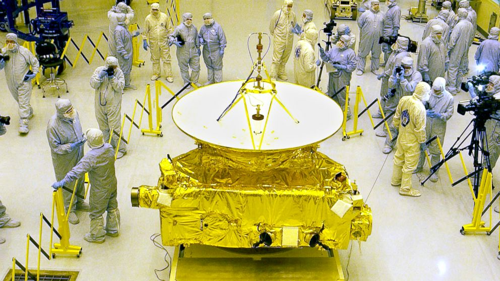 New Horizons: How Spacecraft Could Stay Powered for 20 ...