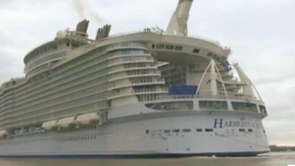 World's Largest Cruise Ship Sails, Cost $1 Billion to ...